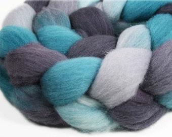 EAGLES - Merino wool roving,  2.6 oz
