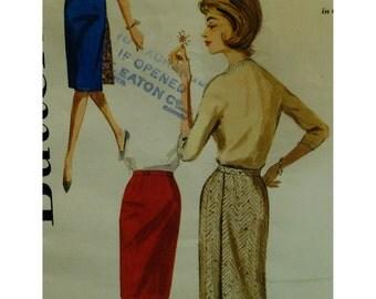 """1960s Pencil Skirt Pattern, Reversible, Back Wrap, Narrow Waistband, Butterick No. 2812 Size Waist 25""""(64cm) Hip 34"""" (87cm)"""