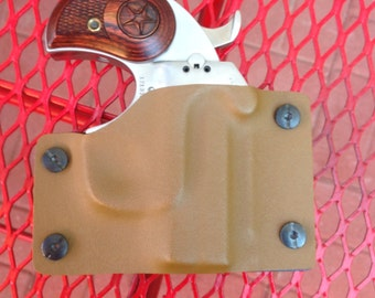 Coyote Tan Kydex Retention Holster for a Bond Arms Derringer