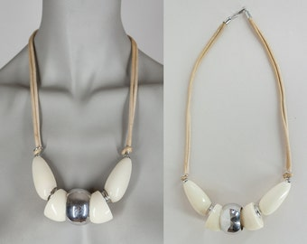 Vintage 80s Necklace / 1980s Avant Garde Neutral Oversized Bead Necklace