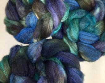 wool 4 oz Mixed BFL  SPINNING combed top , wet felting, fiber arts, Blues