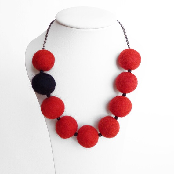 Red Necklace - Red Felted Ball Necklace - Poppy Red Statement Necklace - Scarlet Chunky Felt Bead Jewellery - Asymmetrical Jewelry