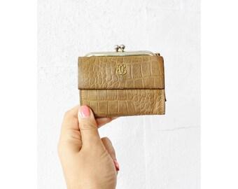 Alligator Wallet • Lady Buxton Petite Wallet • W194
