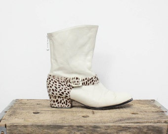 80s White Leather Boots 8 • Mod White Leather Boots with Chunky Heel • Fun Leopard Boots • Fur and Leather Booties  | SH250