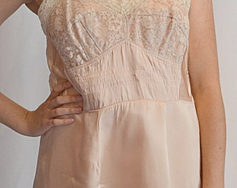 Vintage 1930s Rose Satin Slip Chemise With Ivory Lace Trim Sz M