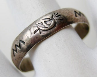 Vintage Ring Navajo American Indian Sterling Silver Stamped Band Ring size 9