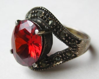 Vintage Ring Jeweled 5ct Garnet Marcasite Art Deco Sterling Silver Cocktail Ring size 9