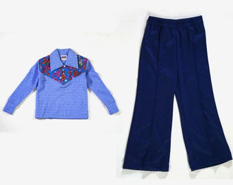 Girl's Size 5 Pants Outfit - 1970s Hippie Shirt & Bell Bottoms - 70s Girls Top - Bellbottoms - Blue Daisy Print - Mottled Polyester - 45234