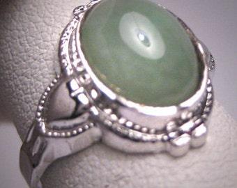 Antique Jade Wedding Ring Heart Motif Vintage Art Deco 1920 Estate