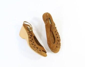 VINTAGE 1970s Wedge Sandals Suede Leather Heels Size 7