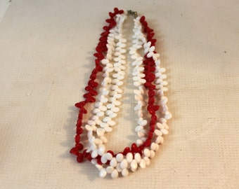 vintage 1960's red and white plastic beaded necklace