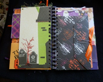 Junque Journal- Junk Journal - Smash Halloween- Halloween Book - OOAK (1)