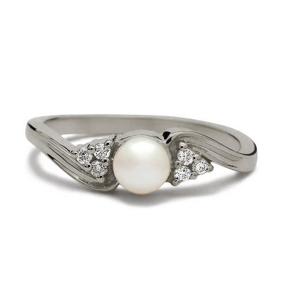 white gold pearl engagement ring vintage pearl ring pearl