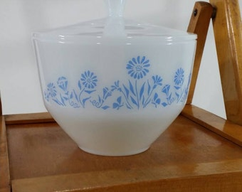 Vintage Federal Glass, Milk Glass Bowl with Lid, One and a half Quart