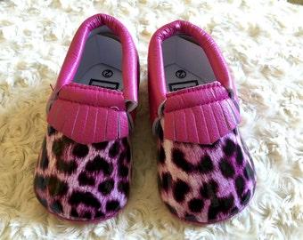 Leopard hot pink print baby infant crib moccadin shoe