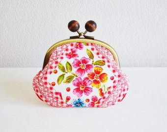 Christmas sale!  287 Retro floral candy coin purse - red, frame purse, clasp purse