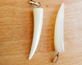 2pcs Mother of pearl horn pendant, Mother of pearl teeth shape pendant (38x6mm)