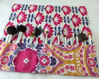 MakeUp Brush Holder - Pink Makeup Brush Roll - Makeup Brush Organizer -  Makeup Brush Bag -  Makeup Brush Case - Atrium Grace in Fuschia