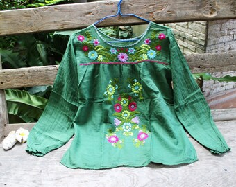 M-L Long Sleeves Bohemian Embroidered Top - Green 2