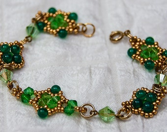 Beaded Clusters Link Bracelet in Lime, Emerald Green, and Gold