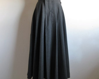 Vintage 1980s A-line Wool Skirt Debbie Shuchat 80s Designer Charcoal Gray Wool Circle Skirt 8