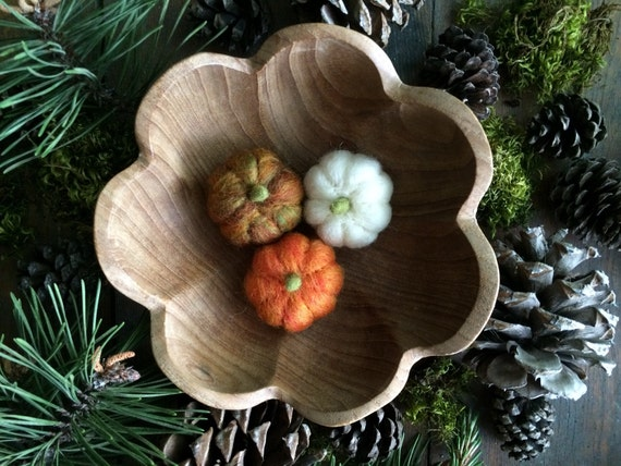 Felt pumpkins, set of 3, Halloween pumpkins, thanksgiving table decor, waldorf harvest decor, mini felted pumpkins, fairy house pumpkins