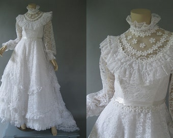 1980s White Wedding Dress - Lace Bridal Gown - Victorian Style Ball Gown - Semi Cathedral Train  XS
