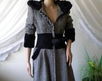 stylish and elegant ladies coat, combination between black and white