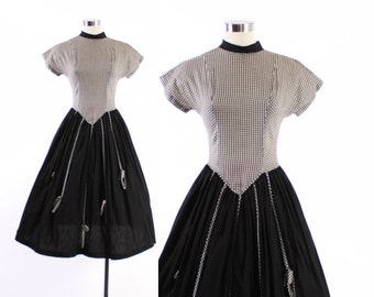 Vintage 50s DAY DRESS / 1950s Black and White Cotton Gingham Dress with Full Skirt & BOWs S