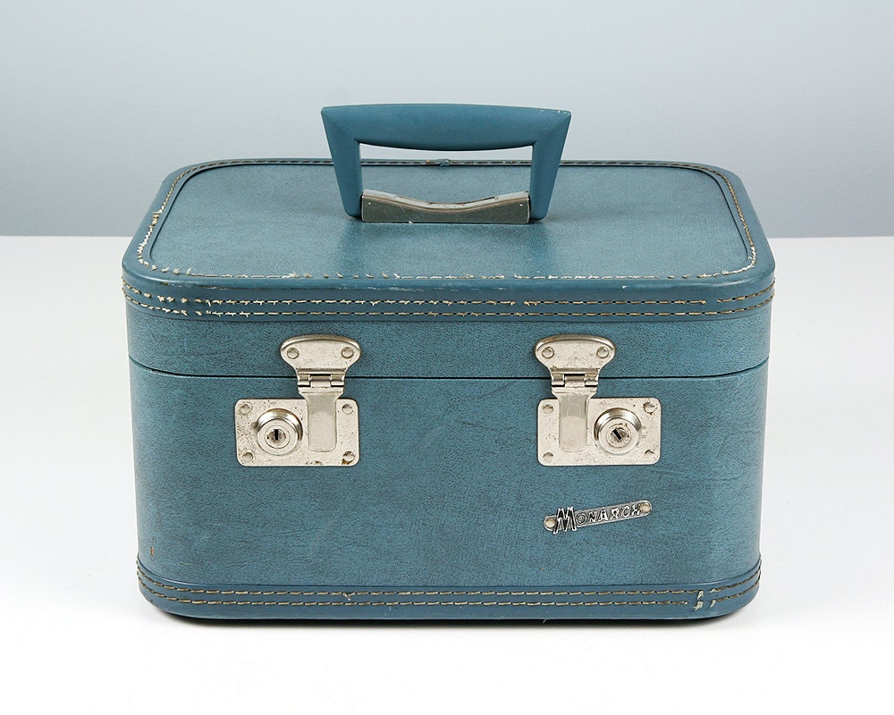 vintage small suitcase luggage and suitcases. Black Bedroom Furniture Sets. Home Design Ideas