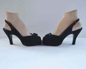 """1940s Womens Shoes by Palter DeLiso Peep Toe Pumps Black Suede Pump with 3"""" Heel Faille Ribbon Trim and Bow Small Size 6 Size 5 Rockabilly"""
