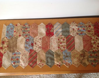 Dusty Trails table runner