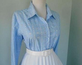 Vintage 1960s 1980s Rockabilly Light Blue Cotton Eyelet 3/4 Sleeve Button Down Blouse