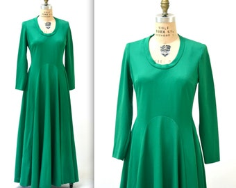 70s Vintage Dress Green Size Medium Large Maxi Dress with Long Sleeves and Full Skirt// 70s Vintage Kelly Green Long Dress Medium Large