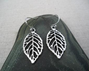 Silver Leaf Earrings - Silver Tree Jewelry - Simple Everyday Earrings - Nature Earthy