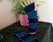 Vegan and wool-free armwarmers upcycled by Niknok
