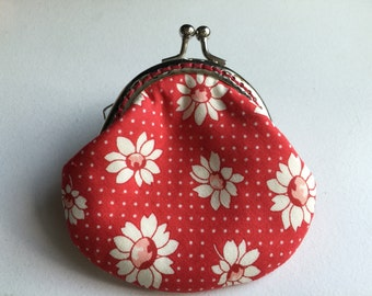 Small handmade coin purse - little daisy in red