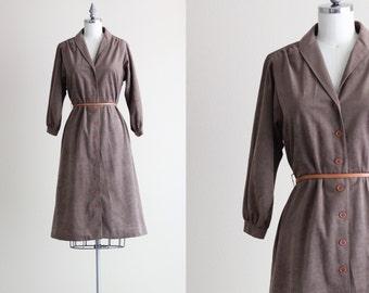 SALE - Vintage Shirtdress . Fall Fashion Shirt Dress With Pockets . Chocolate Brown Long Sleeve Dress