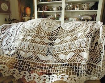 Antique Bobbin Lace Table Cloth / Cotton Table Cloth / Thanksgiving Table Topper / Vintage Wedding