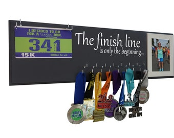 Medals holder and rage bibs holder : holder for medals and bibs for runner  -The finish line