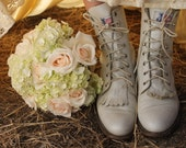 IVORY Leather Riding Boots Vintage 1970's Country Western Women's Lace Up Boots Justin Size 7 Cream Leather Roper