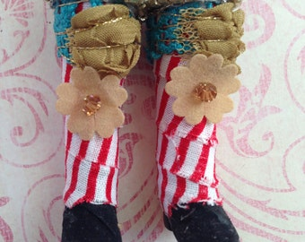 Gypsy boots shoes fit for Blythe or Barbie doll ~~ Vintage Lace wrapped boots ~~ Circus sparkles