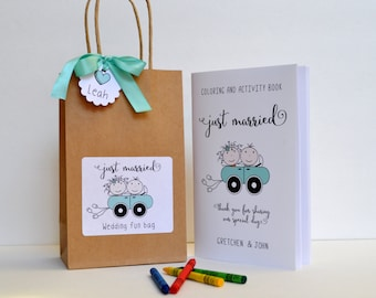 Personalized Kids wedding activity bag / Children wedding favor bag / kids activity book with crayons