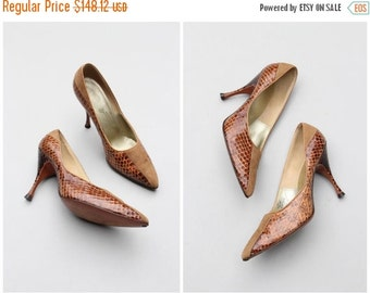 SALE / 1950s Italian couture high heels - snakeskin & suede pumps / Julianelli - 50s reptile stiletto pumps / collectible designer shoes - 6
