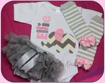 Coming Home Outfit- Personalized Girls- Newborn Elephant- Bodysuit, Bloomers, Diaper Cover, and Leg Warmer -SET 3 PIECE- Pink Grey
