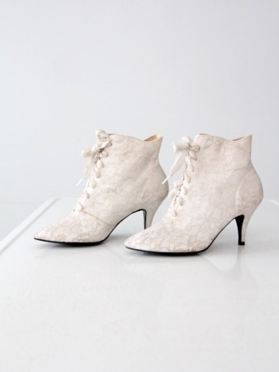 vintage 80s white lace boots high heel ankle boots size 7 5