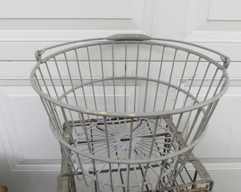 Vintage Metal Wire Egg Basket.