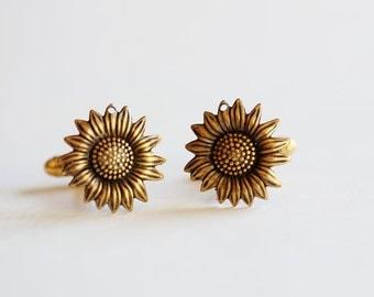 Sunflower Cufflinks Men's Cufflinks  Antiqued Brass Vintage Style Fashion Accessories