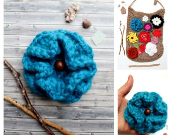 Brooch Flower crochet turquoise to decorate