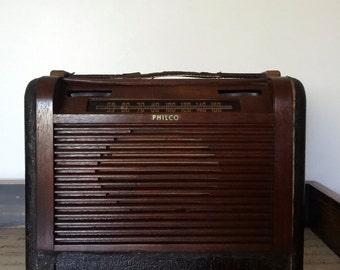 Vintage 1946 Philco Radio